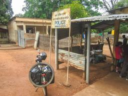 Poste frontalier de Mpack au Sénégal. Source : http://data.abuledu.org/URI/54934bbd-poste-frontalier-de-mpack-au-senegal