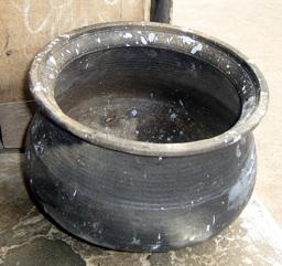 Pot de cuisine indien. Source : http://data.abuledu.org/URI/5316f6c6-pot-de-cuisine-indien