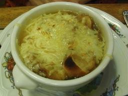 Potage à l'oignon. Source : http://data.abuledu.org/URI/501ad024-potage-a-l-oignon