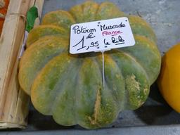 Potiron au marché couvert de Nancy. Source : http://data.abuledu.org/URI/581a3cff-potiron-au-marche-couvert-de-nancy
