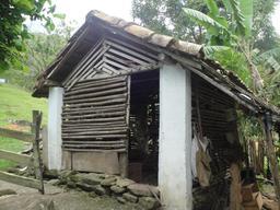 Poulailler au Brésil. Source : http://data.abuledu.org/URI/5329d0d7-poulailler-au-bresil