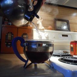 Préparation du thé - 2. Source : http://data.abuledu.org/URI/54c78605-preparation-du-the-2