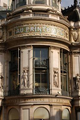 Printemps d'Haussmann. Source : http://data.abuledu.org/URI/51719d24-printemps-d-haussmann