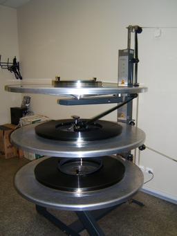 Projection d'un film avec système à plateaux. Source : http://data.abuledu.org/URI/55426c0c-projection-d-un-film-avec-systeme-a-plateaux