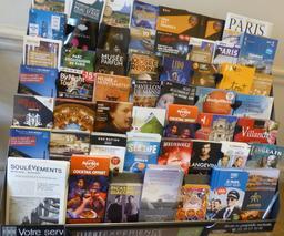 Prospectus de monuments à visiter autour de Paris. Source : http://data.abuledu.org/URI/585d3b60-prospectus-de-monuments-a-visiter-autour-de-paris