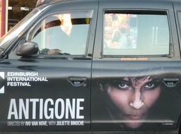 Publicité dans les rues d'Édimbourg. Source : http://data.abuledu.org/URI/55df6f21-publicite-dans-les-rues-d-edimbourg