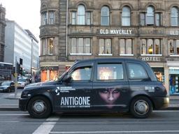Publicité dans les rues d'Édimbourg. Source : http://data.abuledu.org/URI/55df6f83--publicite-dans-les-rues-d-edimbourg