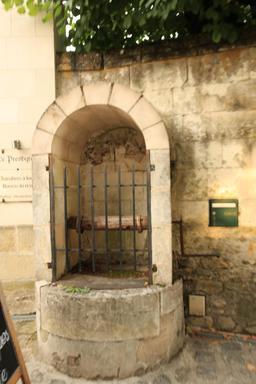 Puits couvert. Source : http://data.abuledu.org/URI/55e41b1e-puits-couvert-