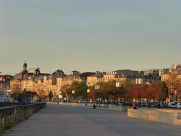 Quai des Chartrons à Bordeaux. Source : http://data.abuledu.org/URI/58278f63-quai-des-chartrons-a-bordeaux