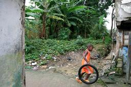 Quartier de Bessengue à Douala. Source : http://data.abuledu.org/URI/52daecaa-quartier-de-bessengue-a-douala
