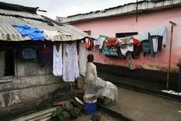 Quartier de Bessengue à Douala. Source : http://data.abuledu.org/URI/52daedbf-quartier-de-bessengue-a-douala