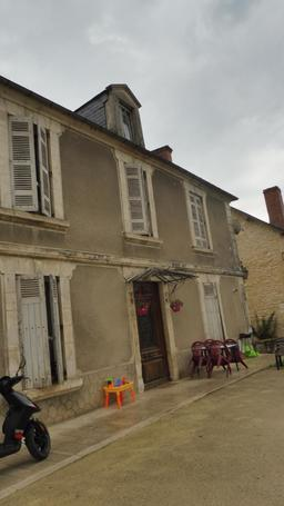Quartier médiéval à Montignac-24. Source : http://data.abuledu.org/URI/5994eb17-quartier-medieval-a-montignac-24