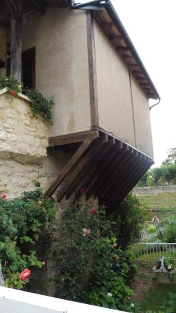 Quartier médiéval à Montignac-24. Source : http://data.abuledu.org/URI/5994eb3b-quartier-medieval-a-montignac-24