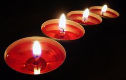 Quatre bougies. Source : http://data.abuledu.org/URI/47f505d2-quatre-bougies