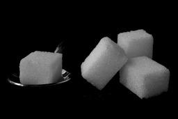 Quatre morceaux de sucre. Source : http://data.abuledu.org/URI/502043f4-quatre-morceaux-de-sucre
