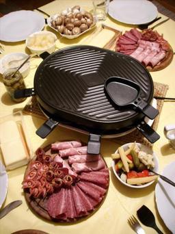 Raclette. Source : http://data.abuledu.org/URI/509b8a0d-raclette-