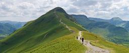 Randonneurs dans le Lake District au mois de juin. Source : http://data.abuledu.org/URI/551b095a-randonneurs-dans-le-lake-district-au-mois-de-juin