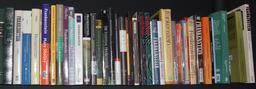 Rangée d'éditions de Frankenstein. Source : http://data.abuledu.org/URI/52ad8b90-rangee-d-editions-de-frankenstein
