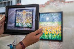 Réalité augmentée. Source : http://data.abuledu.org/URI/58d1d3b1-realite-augmentee
