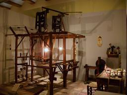 Reconstitution d'un atelier de passementerie. Source : http://data.abuledu.org/URI/524c799b-reconstitution-d-un-atelier-de-passementerie
