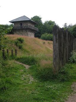 Reconstitution de fort romain en Allemagne. Source : http://data.abuledu.org/URI/56c5a064-reconstitution-de-fort-romain-en-allemagne