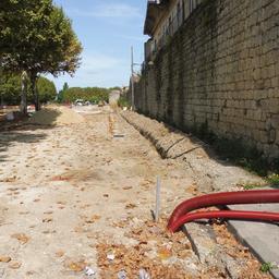 Rempart de la bastide de Cadillac-33. Source : http://data.abuledu.org/URI/599a918b-rempart-de-la-bastide-de-cadillac-33