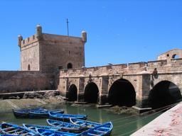 Remparts de la citadelle d'Essaouira au Maroc. Source : http://data.abuledu.org/URI/5309e254-remparts-de-la-citadelle-d-essaouira-au-maroc