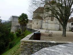 Remparts de Sauveterre-de-Béarn. Source : http://data.abuledu.org/URI/58669170-remparts-de-sauveterre-de-bearn