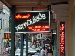Restaurant Rémoulade à La Nouvelle Orléans. Source : http://data.abuledu.org/URI/546dd64d-restaurant-remoulade-a-la-nouvelle-orleans