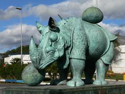 Rhinocéros de Dali en bronze. Source : http://data.abuledu.org/URI/533c022c-rhinoceros-de-dali-en-bronze