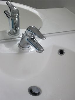 Robinet mitigeur. Source : http://data.abuledu.org/URI/50395b8b-robinet-mitigeur