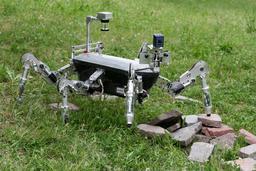 Robot hexapode. Source : http://data.abuledu.org/URI/58e9ee9f-robot-hexapode