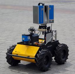 Robot Husky en 2014. Source : http://data.abuledu.org/URI/58e9d541-robot-husky-en-2014