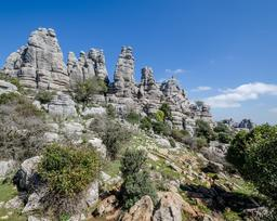 Rochers en Andalousie. Source : http://data.abuledu.org/URI/54d00920-rochers-en-andalousie