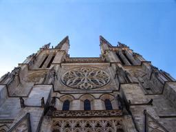 Rosace de la cathédrale Saint-André de Bordeaux. Source : http://data.abuledu.org/URI/54457f6b-rosace-de-la-cathedrale-saint-andre-de-bordeaux