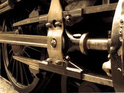 Roue de locomotive à vapeur. Source : http://data.abuledu.org/URI/52487aa9-roue-de-locomotive-a-vapeur