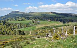 Route du col de la Croix-Morand en Auvergne. Source : http://data.abuledu.org/URI/555aebeb-route-du-col-de-la-croix-morand-en-auvergne