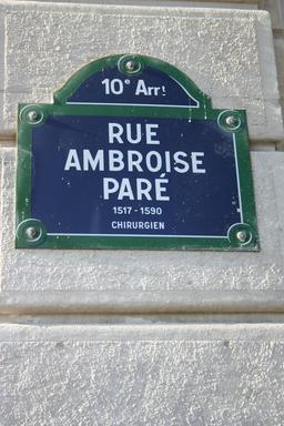 Rue Ambroise Paré à Paris. Source : http://data.abuledu.org/URI/5417773b-rue-ambroise-pare-a-paris