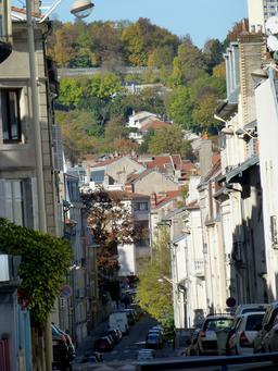 Rue et coteaux à Nancy. Source : http://data.abuledu.org/URI/5819042a-rue-et-coteaux-a-nancy
