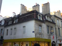 Rue Mably à Dijon. Source : http://data.abuledu.org/URI/5820518f-rue-mably-a-dijon-