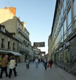 Rue piétonne à Dijon. Source : http://data.abuledu.org/URI/5820515a-rue-pietonne-a-dijon-