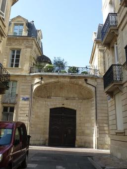 Rue Poquelin Molière à Bordeaux. Source : http://data.abuledu.org/URI/5826eba8-rue-poquelin-moliere-a-bordeaux
