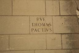 Rue Thomas Pactius à Loches. Source : http://data.abuledu.org/URI/55e436d3-rue-thomas-pactius-a-loches