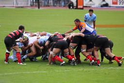 Rugby - mêlée. Source : http://data.abuledu.org/URI/50431b33-rugby-melee