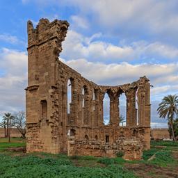 Ruines d'église à Famagouste. Source : http://data.abuledu.org/URI/58cdf350-ruines-d-eglise-a-famagouste