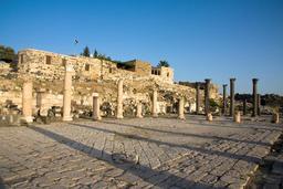 Ruines de Umm Qais en Jordanie. Source : http://data.abuledu.org/URI/547f63e7-ruines-de-umm-qais-en-jordanie