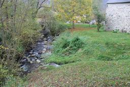 Ruisseau et moulin de La Mousquère dans la vallée d'Aure. Source : http://data.abuledu.org/URI/54b82b8c-ruisseau-et-moulin-de-la-mousquere-dans-la-vallee-d-aure