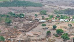 Rupture des barrages de Minas au Brésil. Source : http://data.abuledu.org/URI/5686f7fd-rupture-des-barrages-de-minas-au-bresil