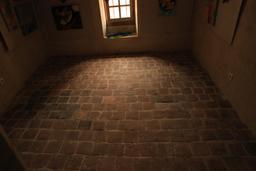 Saint-Épain, Hôtel de la Prévôté, carrelage intérieur. Source : http://data.abuledu.org/URI/55dd725e-saint-epain-hotel-de-la-prevote-carrelage-interieur