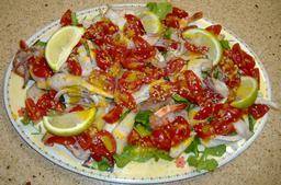 Salade de calamars et crevettes. Source : http://data.abuledu.org/URI/532f0e8a-salade-de-calamars-et-crevettes